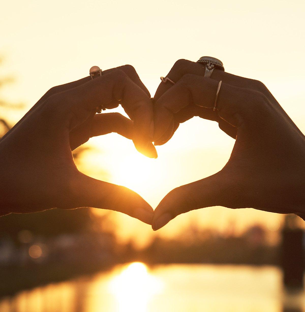 Will you find Valentine's Day love online? #valentinesday #love #onlinedating#dating