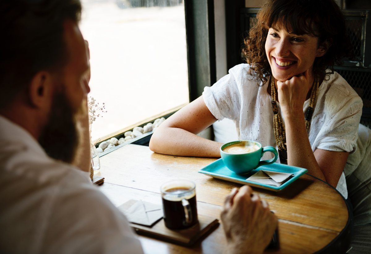 6 First Date Conversation Tips | #datingadvice #datingtips #datingprofile #firstimpressions #firstdates #firstdate #onlinedating #dating #loveatfirstswipe
